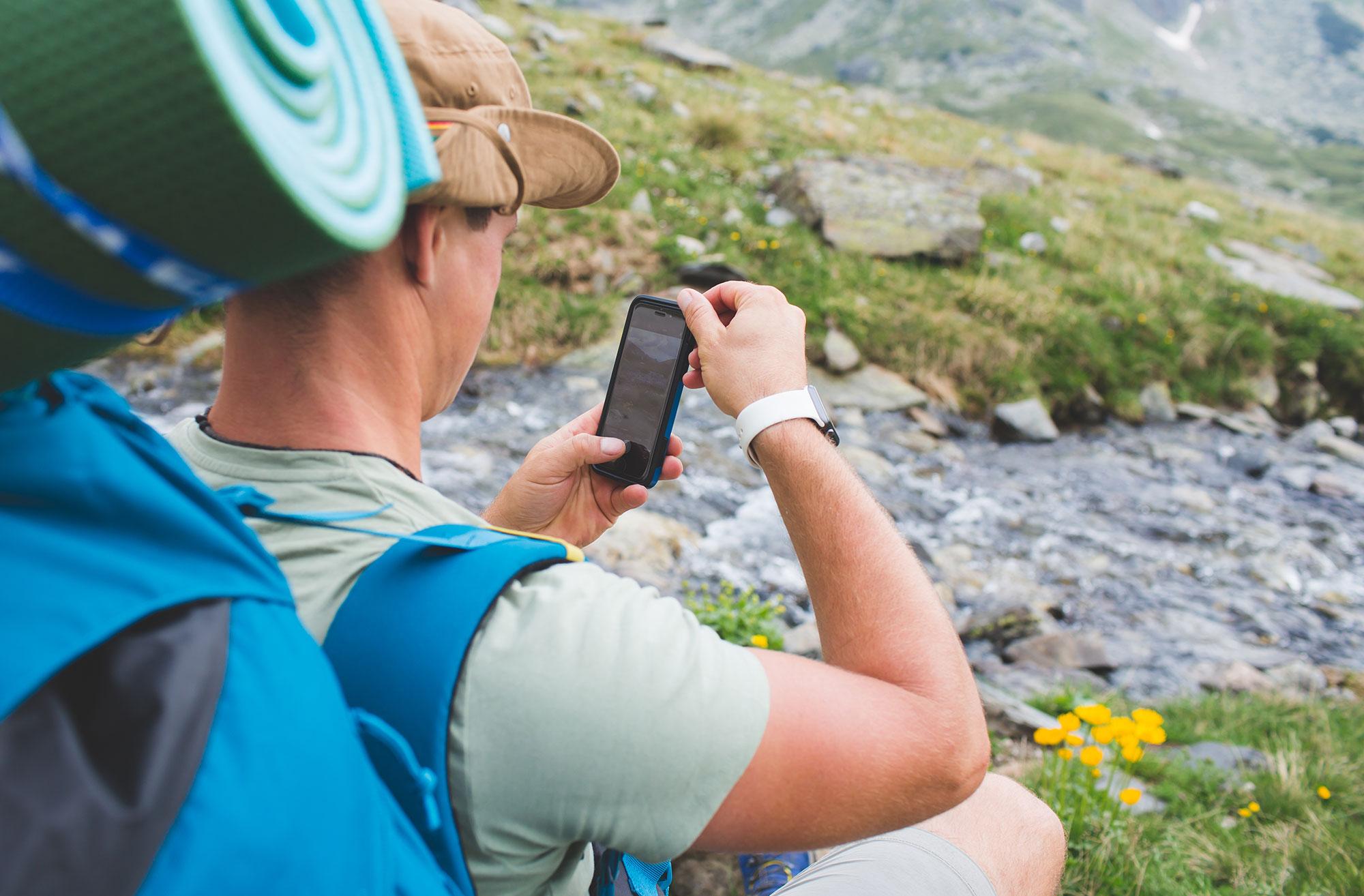 Smartphone da montagna la nuova frontiera del digitale ad alta quota