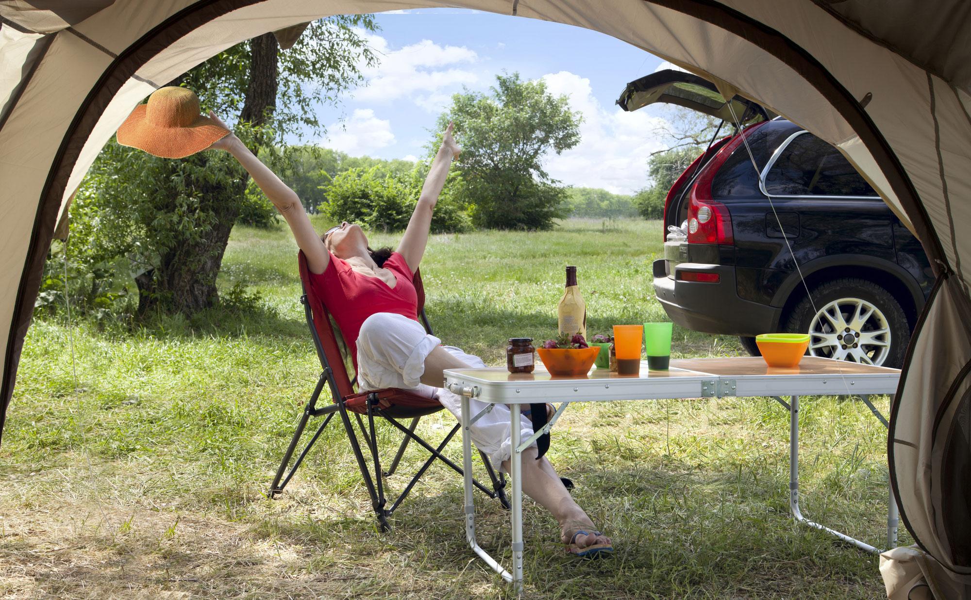 Tavoli E Sedie Da Camper.Come Organizzare La Piazzola Con Tavoli E Sedie Da Campeggio